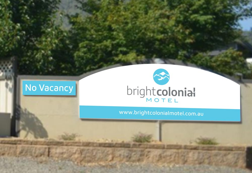 Bright Colonial Motel - Signage
